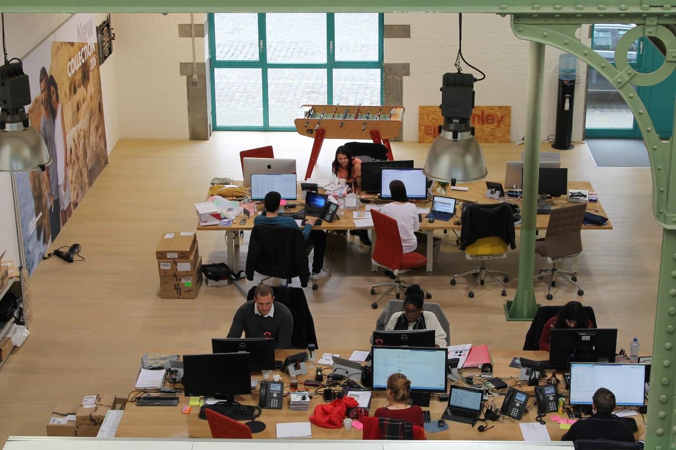 Coopérer dans le cloud : tant au bureau que n'importe où dans le monde.