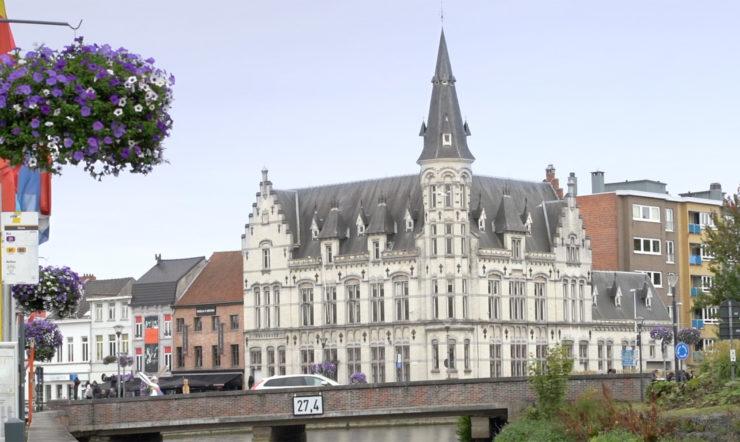 Surface et Windows Autopilot garantissent un gain en efficacité et une gestion informatique plus facile à la Ville de Lokeren
