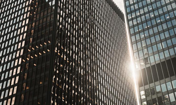 A skyscraper in a city